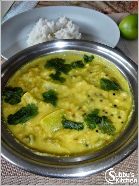 Thakalikkai Kootu (Tomatillo Stew)